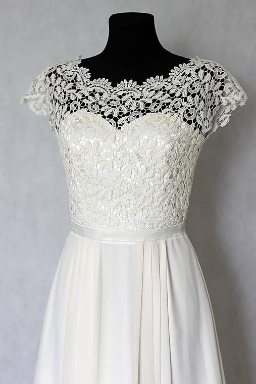 Svadobné šaty v ľudovom štýle v smotanovej farbe   Dyona - SAShE.sk ... 32c5182cdf3