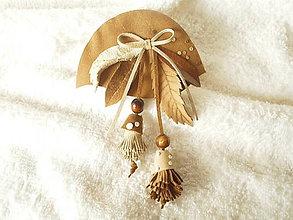 Odznaky/Brošne - Brošňa kožená, slamienkové kvietky - 5785051_