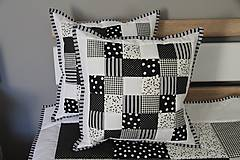 vankúš patchwork 40 x 40 cm bielo -čierny