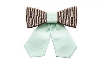 Náhrdelníky - ORIGINÁL – Dámsky drevený motýlik Denique - 5796574_