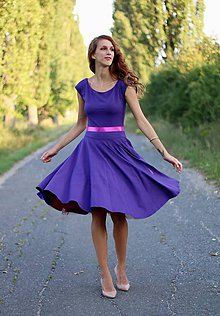 Šaty - Šaty s kruhovou sukňou MIDI - 5800029_