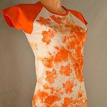 Tričká - Oranžovo-bílé batikované dámské triko s listy M - 5805864_