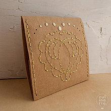 Peňaženky - Srdce vyšívané – peňaženka - 5809892_