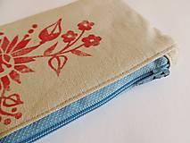 Taštičky - Ľanový peračník s kvetovou potlačou - červený - 5812971_