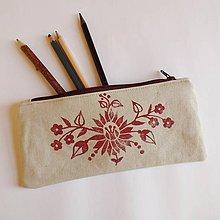 Taštičky - Ľanový peračník s kvetovou potlačou - bordový - 5812959_
