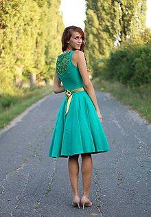 Šaty - Šaty s kruhovou sukňou s čipkou na chrbte - 5814540_