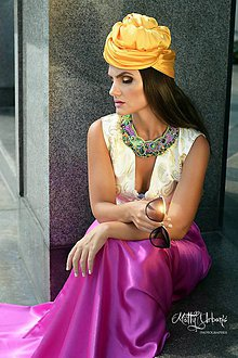 Náhrdelníky - Vyšívaný náhrdelník z hodvábu pestrofarebný - 5813640_