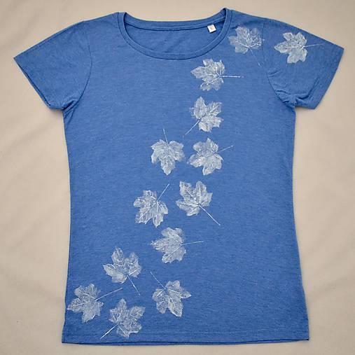Melírované modré dámské triko s bílými listy L