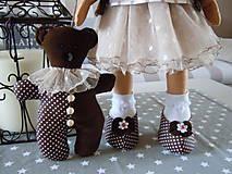 Bábiky - Hnedá s malým klobúčikom a medvedíkom - 5822709_