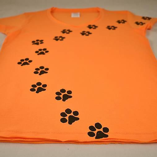 Oranžové dámské triko s kočičími stopami L