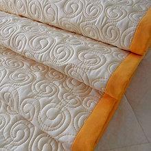 Úžitkový textil - Smotanová zástena s oranžovými slimáčikmi - 5830025_