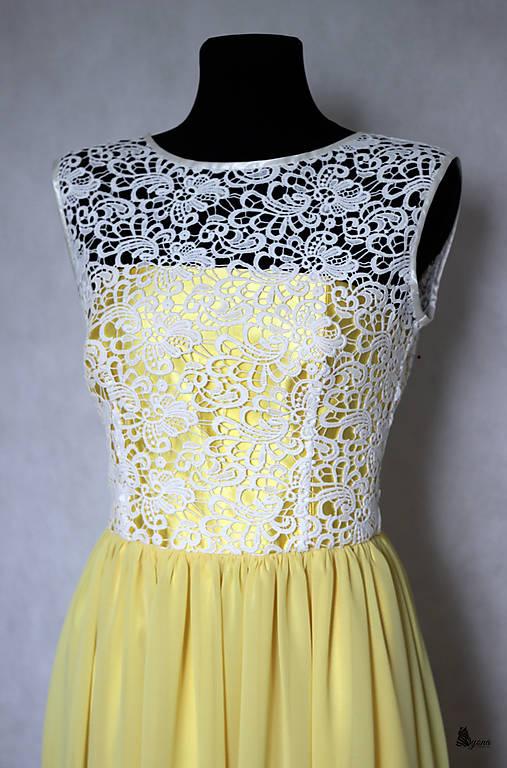 Spoločenské šaty z hrubej krajky s tylovou sukňou rôzne farby ... b34f822b9a3