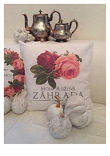 Úžitkový textil - Vankúš a jeho ružová záhrada - 5841104_