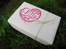 Darčeky pre svadobčanov - Vyrezávané svadobné etikety Srdce - 5840503_