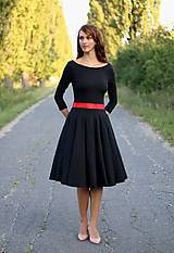 Šaty - Šaty s kruhovou sukňou a výstrihom na chrbte - 5843782_