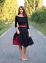 Šaty - Šaty s kruhovou sukňou a výstrihom na chrbte - 5843784_