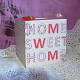 Krabičky - ZÁSOBNÍK NA VRECKOVKY kocka (HOME SWEET HOME) - 5851073_