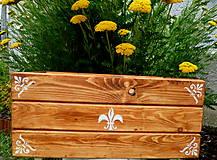 Velky dreveny kvetináč-debna-francúzske lalie :)