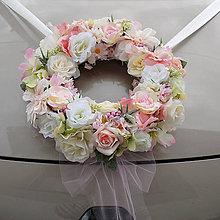 Dekorácie - Pastelový veniec na svadobné auto - 5863805_