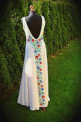 Šaty - Farebné folk vzory na dlhých smotanovo-béžových šatách... - 5862359_