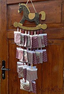 Dekorácie - Adventný kalendár - koník Zlatohrivko - 5870317_