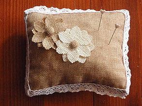 Prstene - Vintage vankúšik s jutovými kvetmi - 5872035_