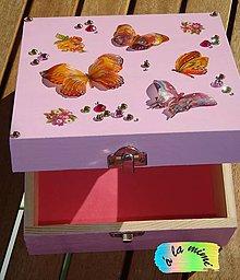 Krabičky - Šperkovnica plná motýľov - 5880944_