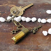 Iné - westernová kľúčenka s nábojnicou a príveskami - 5885615_