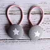- DETSKÉ Gumičky do vlasov s buttonkami Sivá s hviezdičkami  - 5893863_