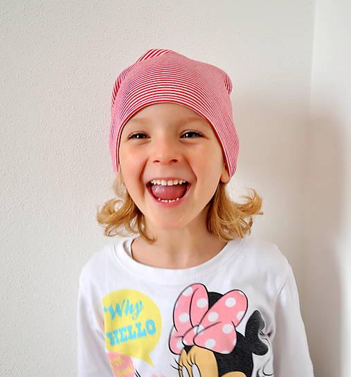 detská čiapočka pásik