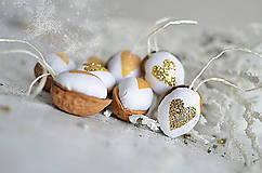 Dekorácie - Vianočné oriešky zlaté - 5905676_