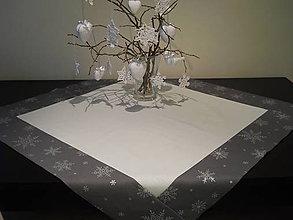 Úžitkový textil - Vianočný obrus - Strieborné vločky II - 5921031_