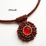 Korálkový náhrdelník Scarlet eye