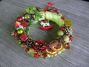 Dekorácie - vianočný veniec s koníkom - 5921172_
