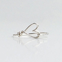 Prstene - Strieborný prsteň so srdiečkom - 5934678_