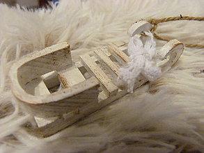 Dekorácie - sanky ako sneh - 5940524_