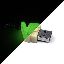 Kľúčenky - svietiaci mini USB kľúč s iniciálami - 5940353_