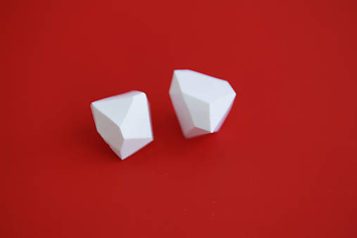 Geometrické náušnice   minimal arch   white