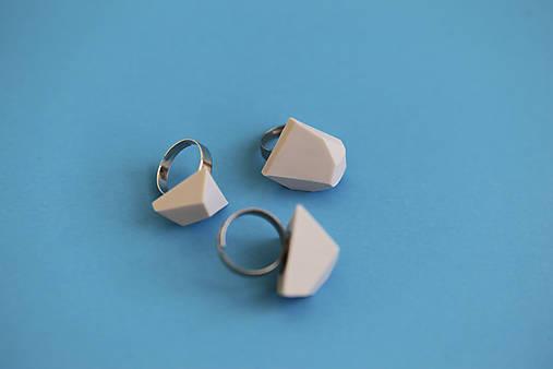 Geometrický nastaviteľný prsteň   minimal arch   light grey
