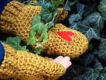 Rukavice - Srdce v dlani...horčicové - 5948071_
