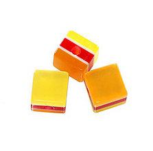 Korálky - Živicová kocka, v strede červená /5ks - 5946437_