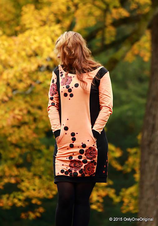 Šaty úpletové s vreckami, farbené a maľované VÔŇA ZEME