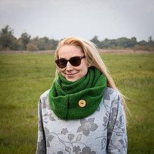 Šály - Zelený nákrčník s gombíkom - 5950915_