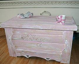 Nábytok - Vintage rose-obrovská truhla :) - 5978091_