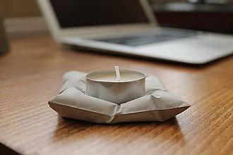 Svietidlá a sviečky - Betónová poduška pod sviečku - 5998718_