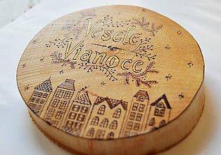 Dekorácie - Závesná drevená dekorácia - Veselé Vianoce - 6013277_