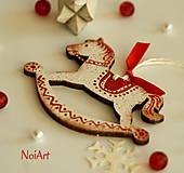Vianočná ozdoba Koník vlnkovaný