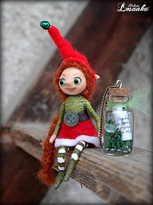 Dekorácie - ♥ Mini bytôstka - Vianočný škriatok Vlastička s prianím ♥ - 6025076_