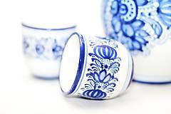Modrý pohárik