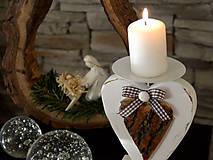 Svietidlá a sviečky - Maják: Drevený svietnik  - 6038202_